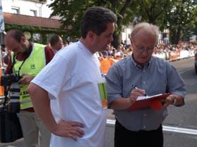ENTEGA Grandprix 2005 in Lorsch,  links Landrat Horst Wilkes.